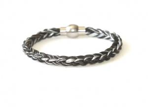 EA007 Armband geflochten mit einzelnen Silberfäden