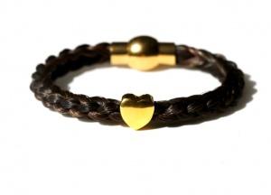 GA001A Armband geflochten mit einem vergoldeten Herz